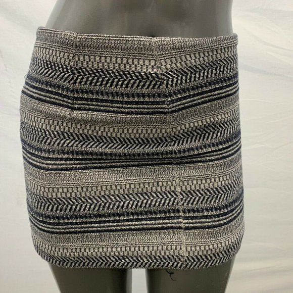 Banana Republic Dresses & Skirts - Banana Republic Size 4 Women's skirt